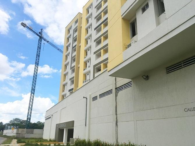 100074 - Apartamento amplio en arriendo, Montería