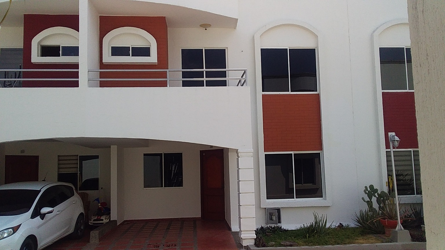 100081 - Hermosa casa en arriendo, conjunto cerrado norte de Montería