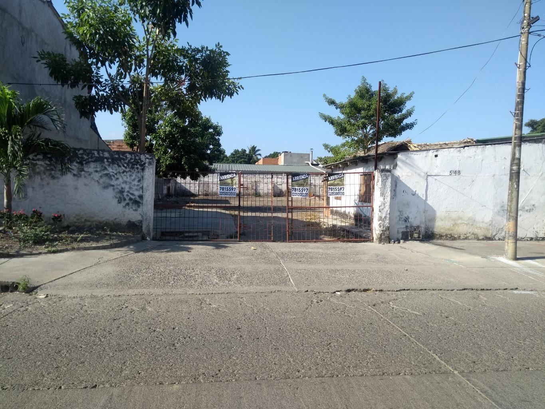 103633 - SE ARRIENDA LOTE PARA PARQUEADERO EN CENTRO DE LA CIUDAD