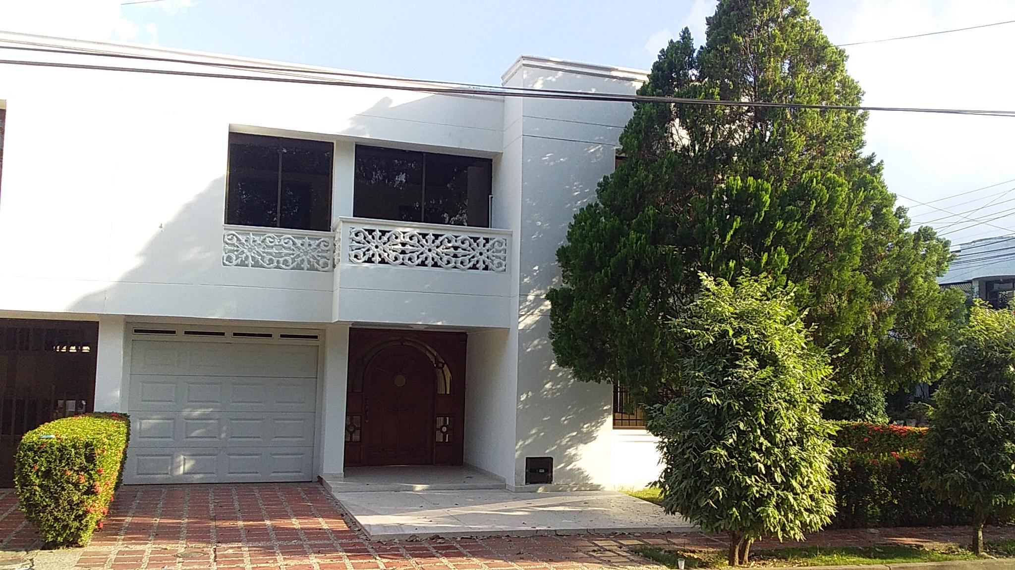 2111 - Hermosa Casa en Arriendo y venta en La Castellana