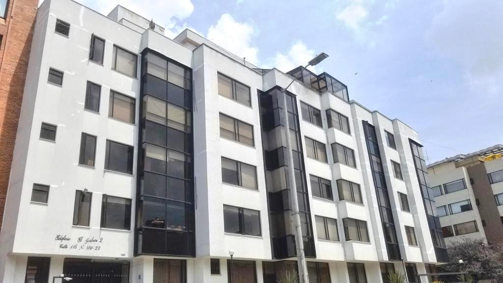 95694 - Apartamento en Venta en Santa Barbara Bogota.