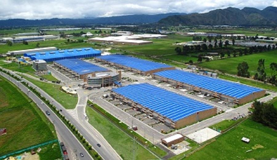 102038 - Bodega en Gran Centro Empresarial Rentando