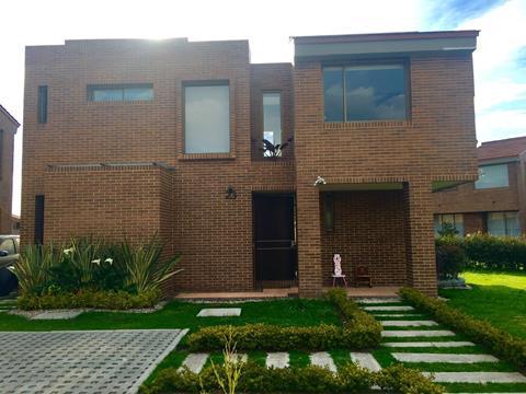 Casa en Cota 16530, foto 0