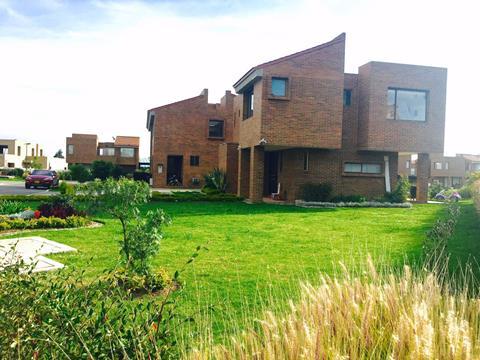 Casa en Cota 16530, foto 1