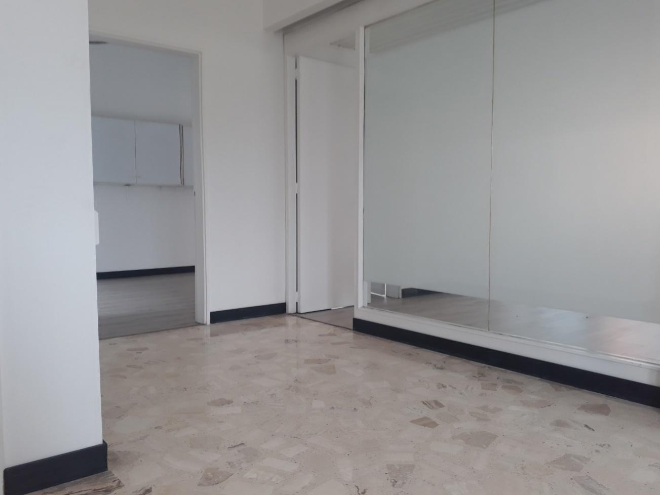 Oficina en Gran Colombia 8105, foto 1