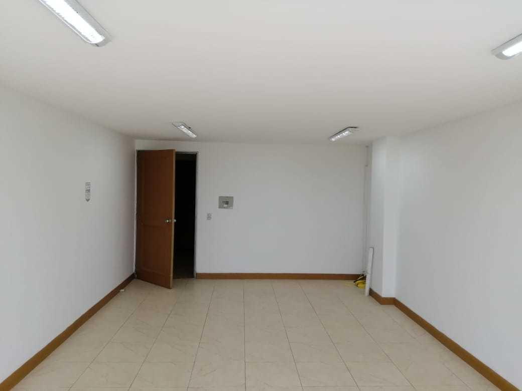 100185 - OFICINA EN ARRIENDO PARQUE INDUSTRIAL SIBERIA TERMINAL DE TRANSPORTE