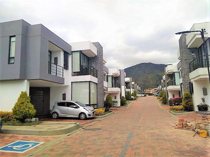 Casa en Cota 9315, foto 2