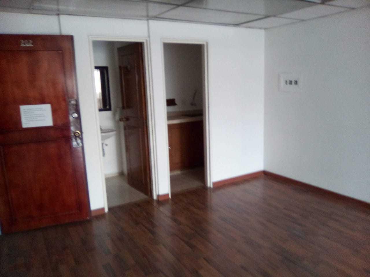 Oficina en Santa Barbara Occidental 7194, foto 1