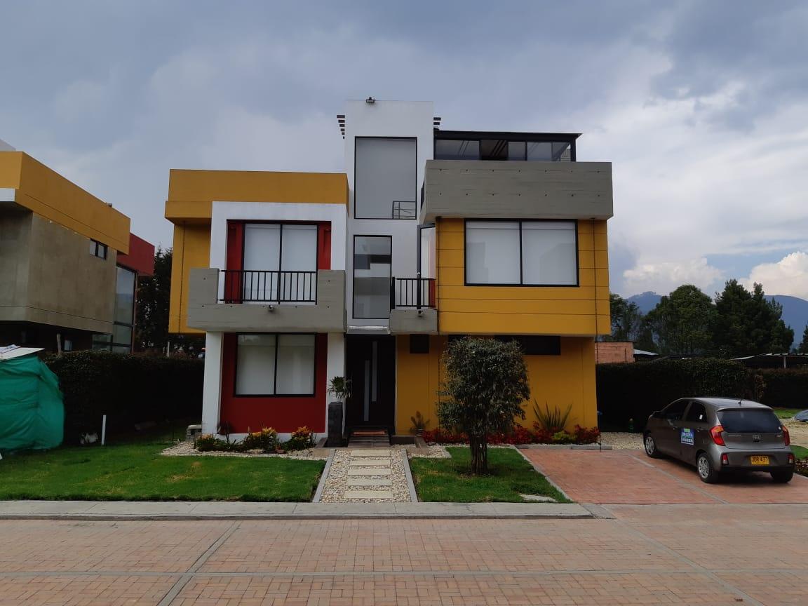 Casa en Cota 4813