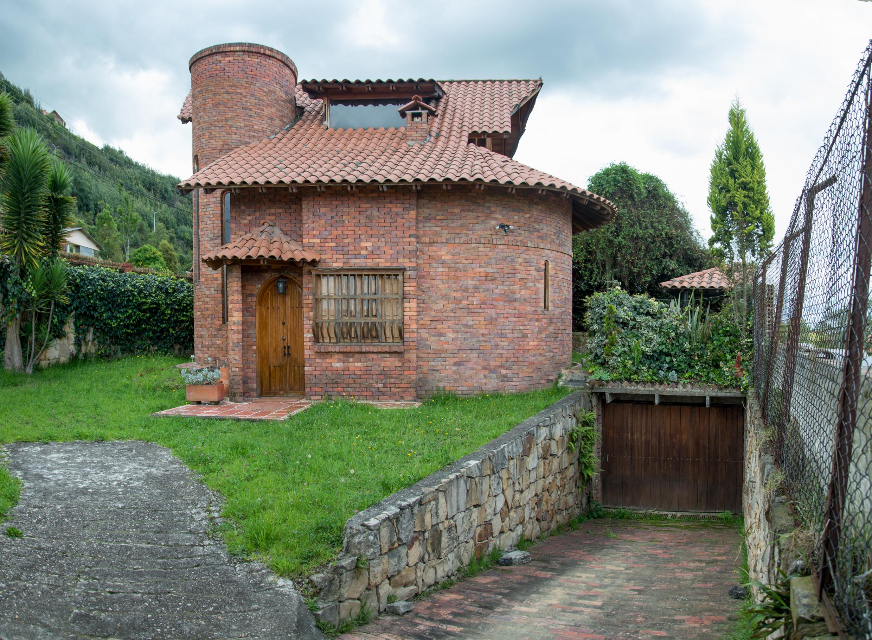 Casa en Cota 4893