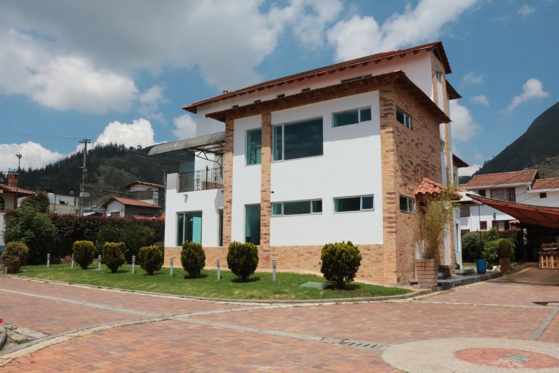 Casa en Cota 7613