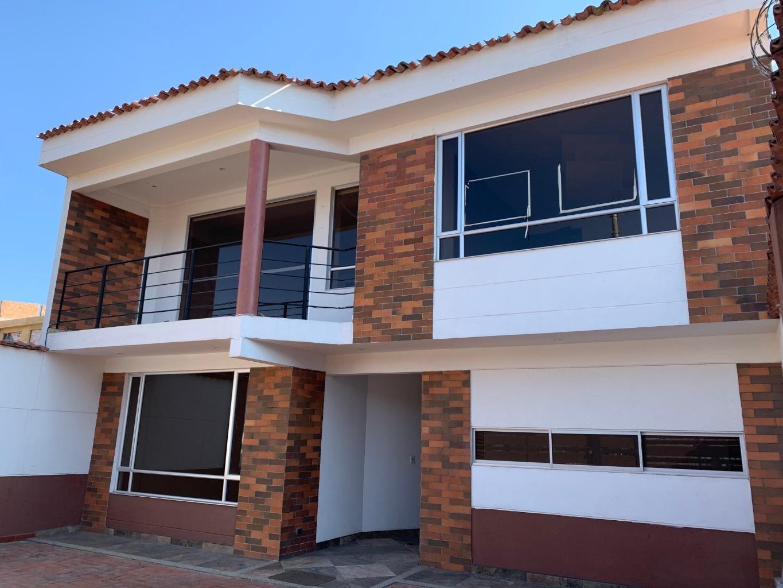 98021 - Casa con muy Buena ubicación