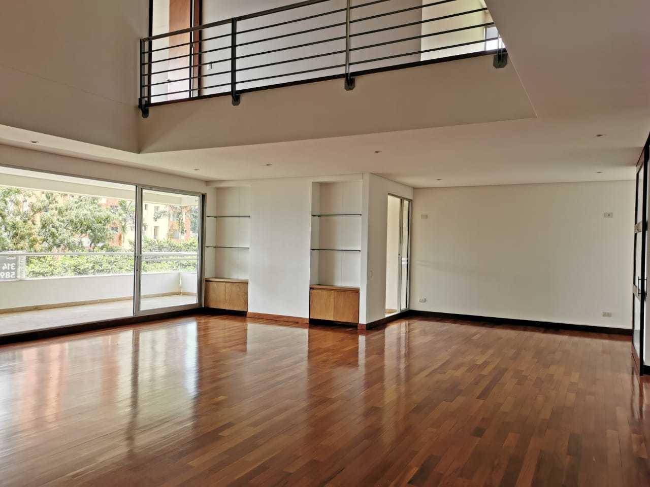 100132 - Apartamento en Arriendo Exclusivo Poblado
