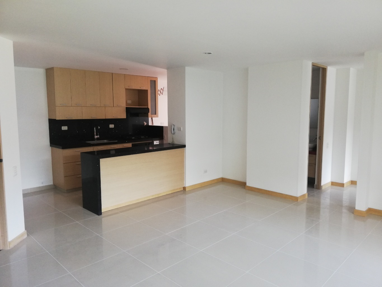 100201 - Venta Apartamento Envigado, Transversal intermedia.