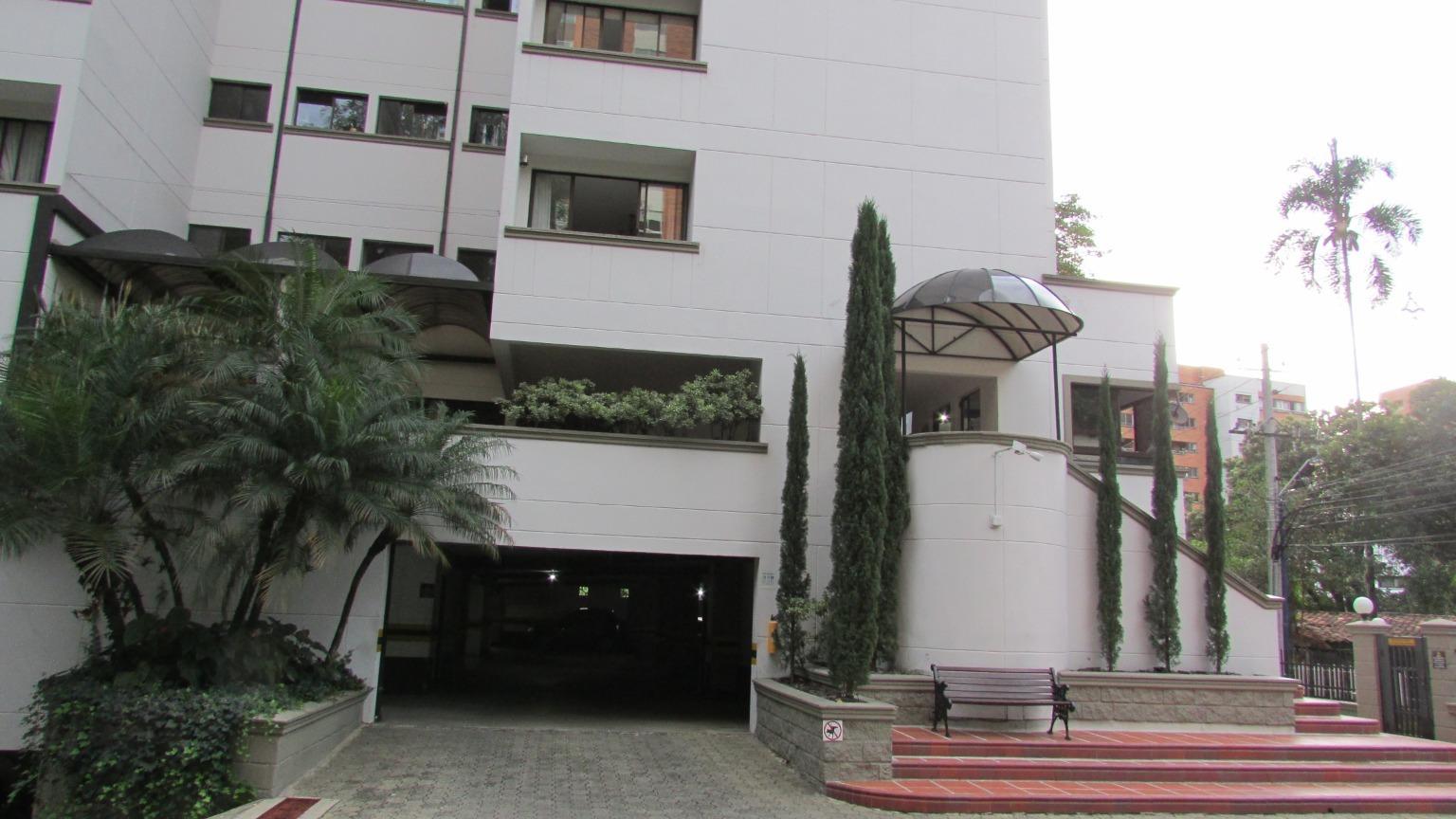 100241 - Arriendo Apartamento Castropol Poblado Medellin Colombia