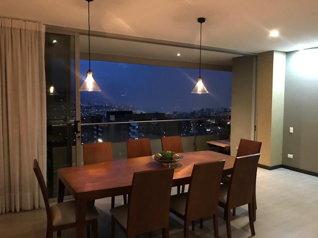 102121 - Venta Apartamento Moderno Loma de Las Brujas Envigado Medellín