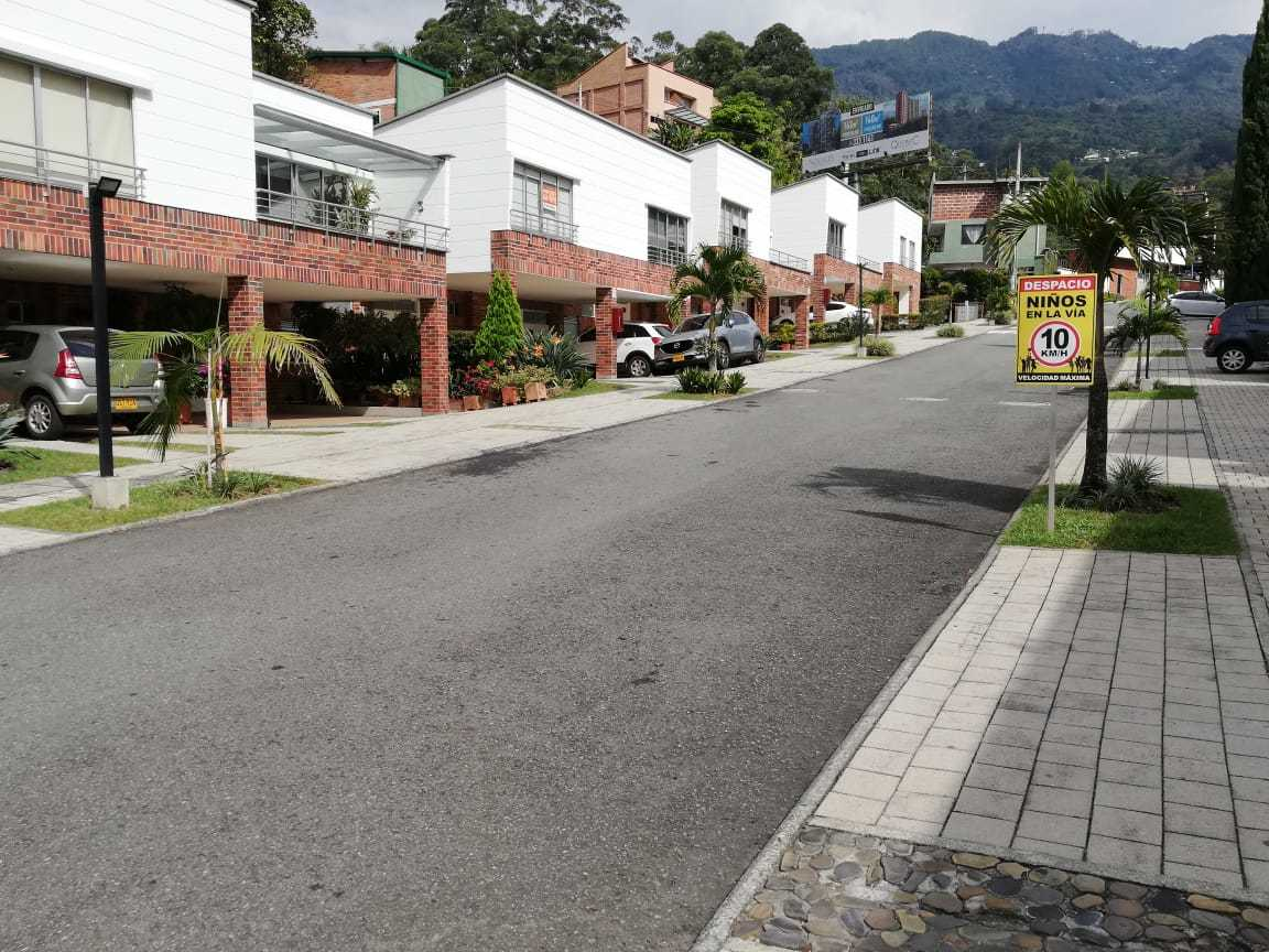 96604 - RENTA CASA TRANSVERSAL INTERMEDIA ENVIGADO