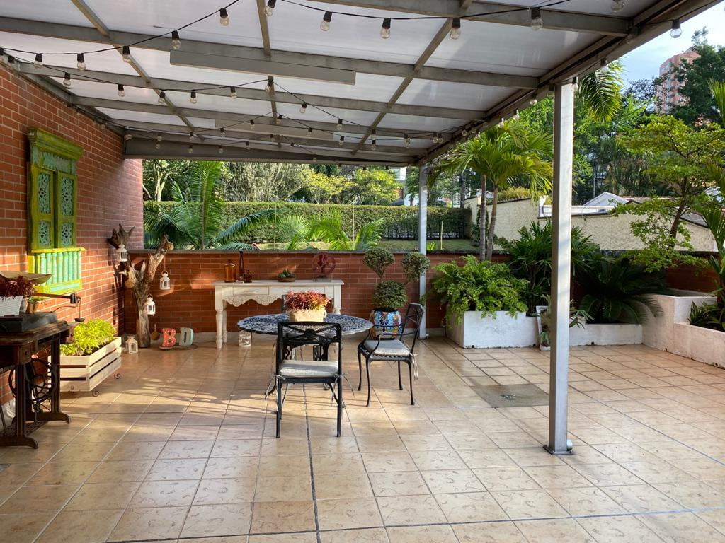 99429 - Apartamento en exclusiva zona del Poblado Medellin
