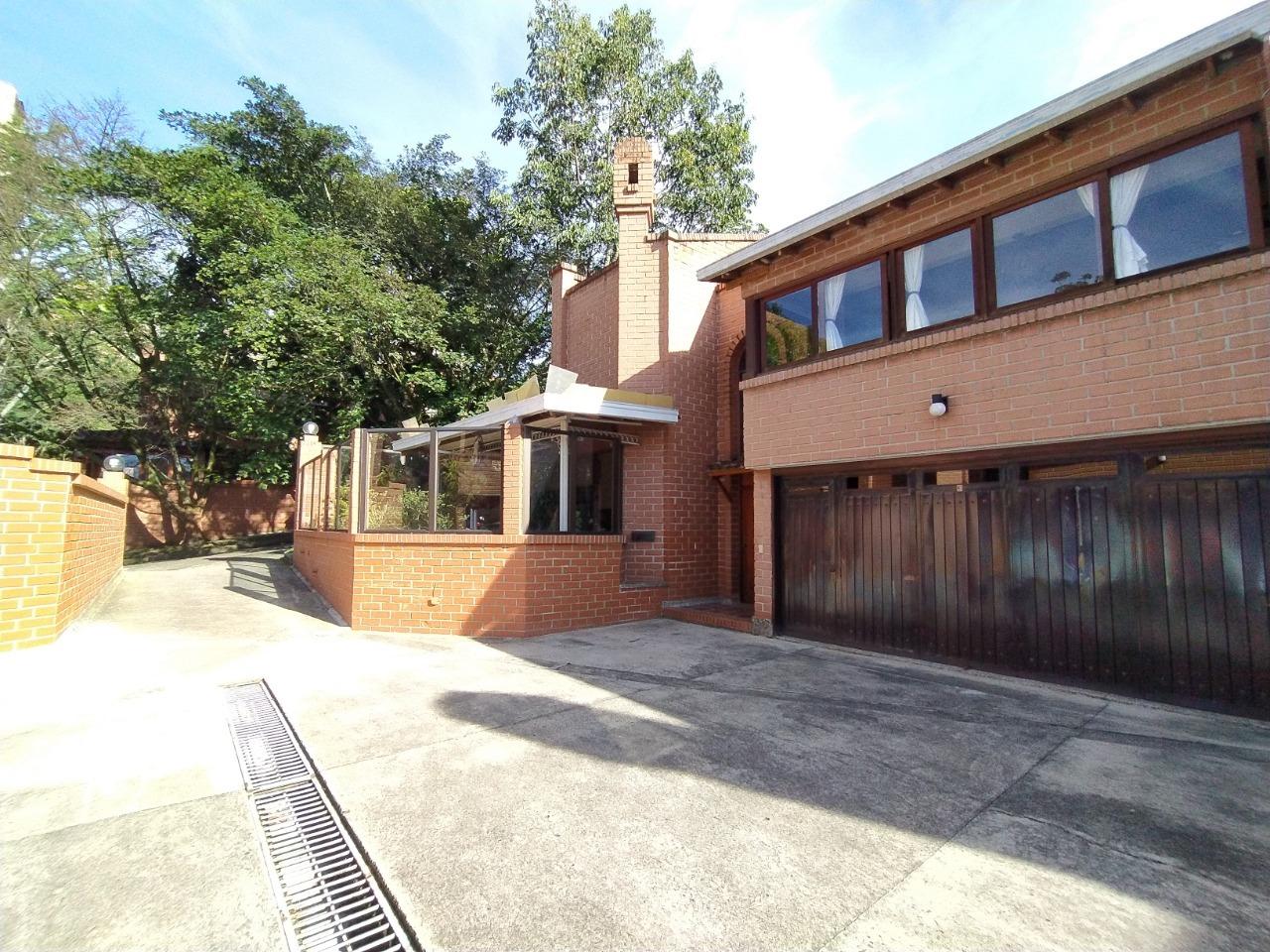 99569 - Venta cómoda casa Medellín Poblado