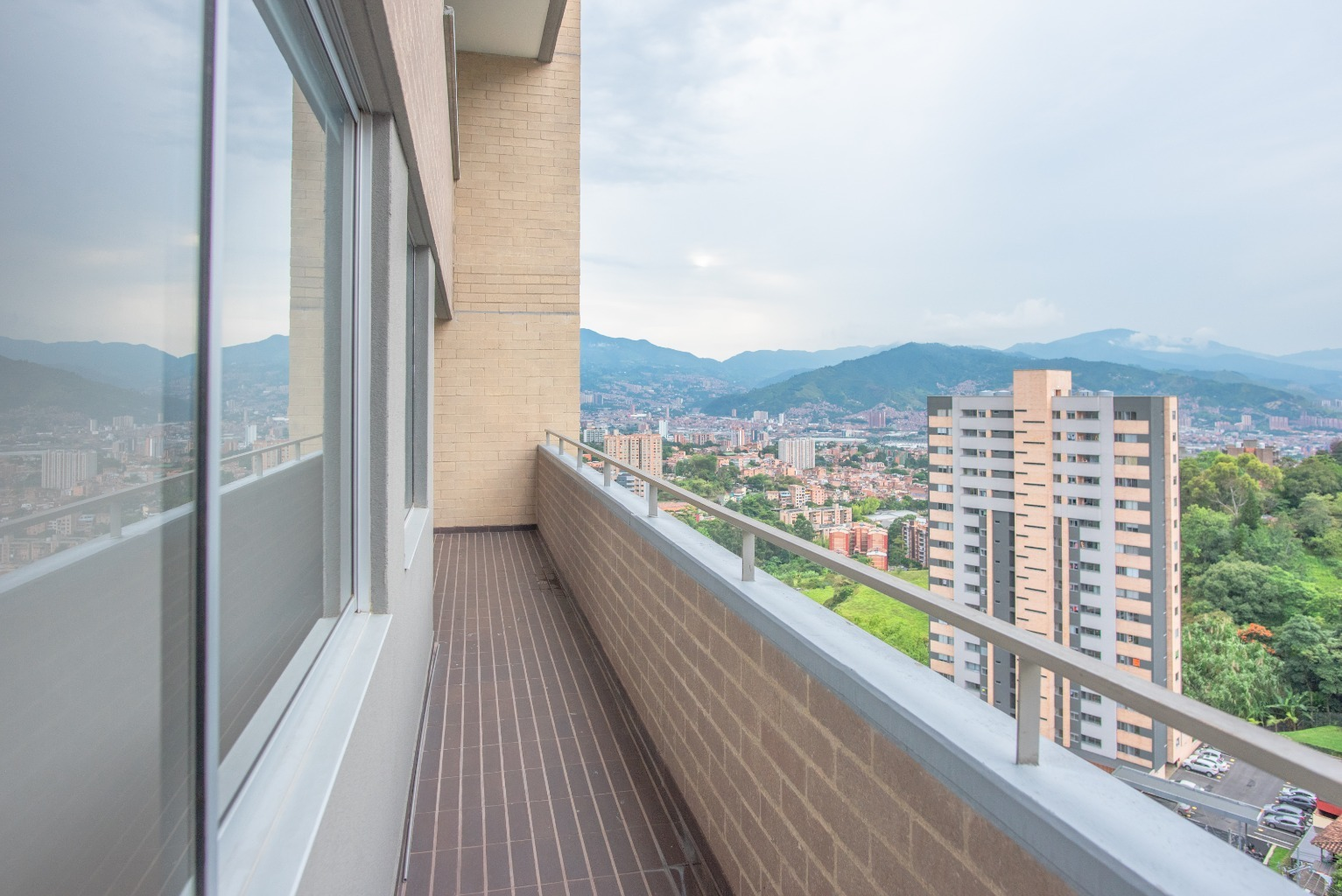 98570 - Espectacular apartamento en venta en Envigado
