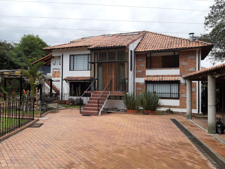 Casa en Cota 8501фото0