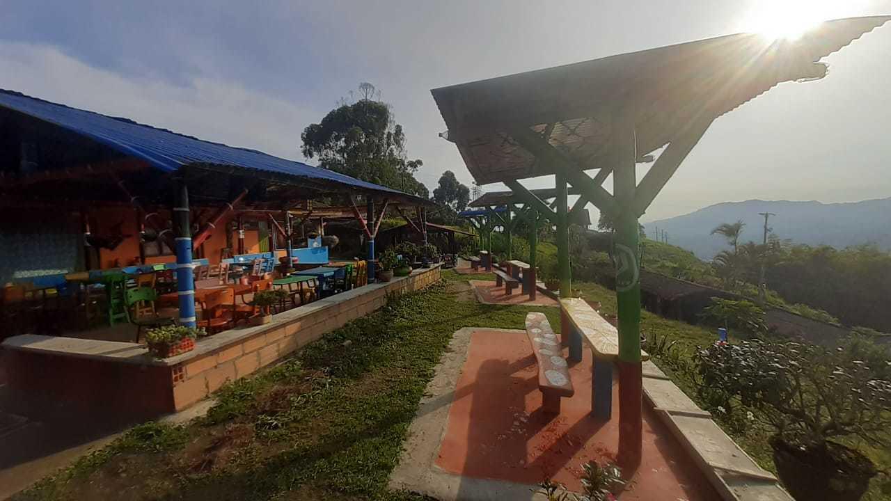 101385 - EXCELENTE INVERSION FINCA RESTAURANTE CABALLERIZAS ZONA DE PESCA, KIOSCO MIRADOR