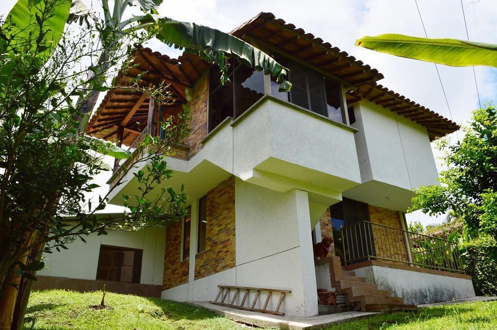 98607 - Hermosa casa campestre, ubicada en el Quindío, eje cafetero de Colombia.