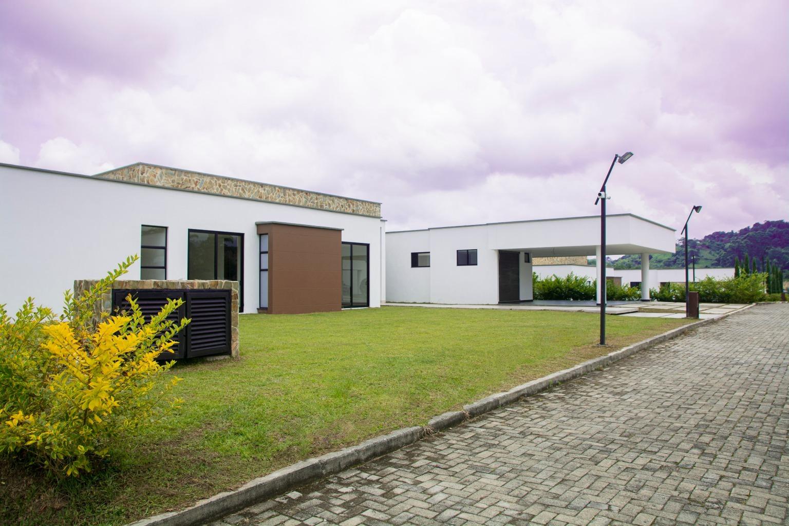 98938 - Exclusiva casa campestre en la mejor zona de la ciudad